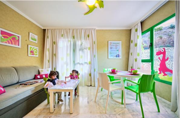 Habitación El Hotel de los Dinosaurios Hotel Holiday Palace, Málaga, Hotel para niños