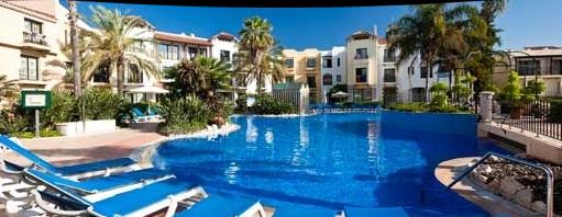 Hotel Portaventura, vista de la piscina. Hotel para niños