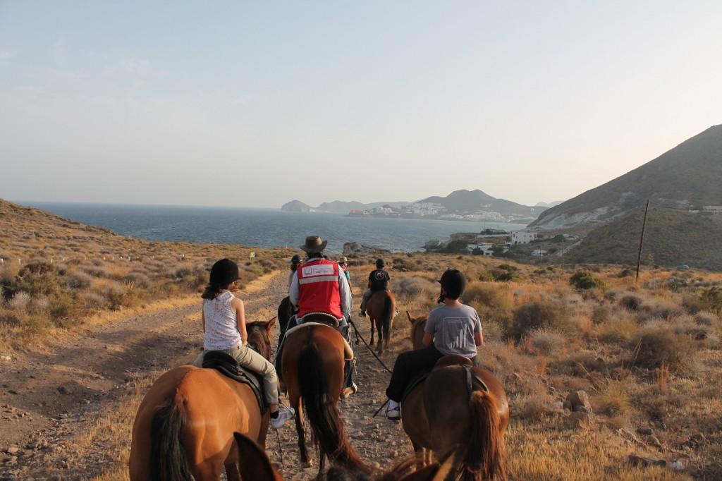 Cabo Gata garden viajacontuhijo - singles con hijos - singles con niños