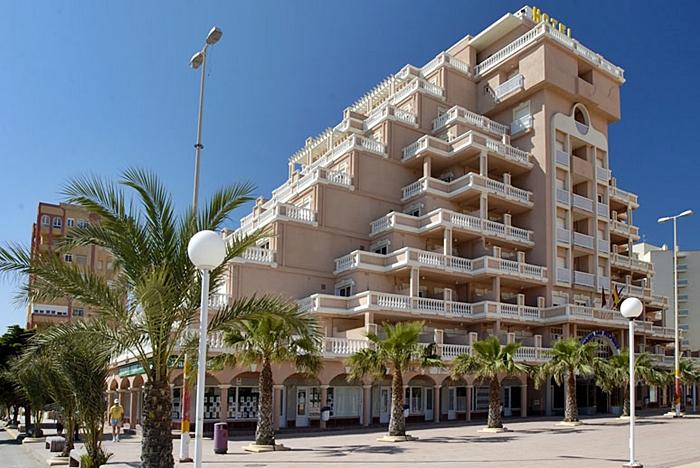 vacaciones-monoparentales-hotel-los-delfines