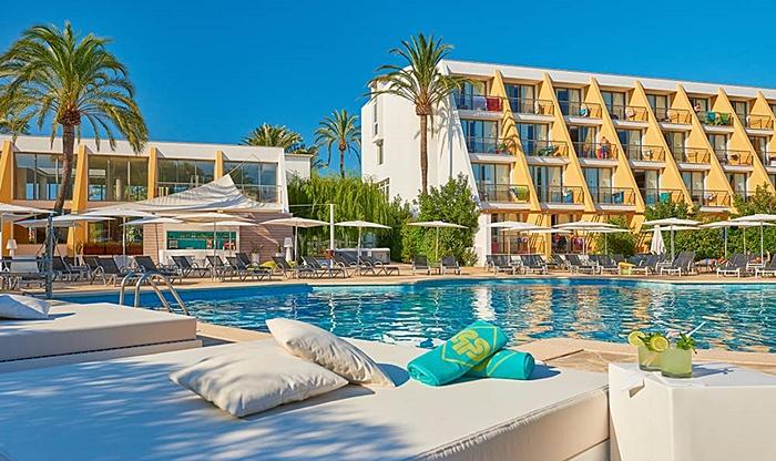 viajes-monoparentales-protur-sa-coma-playa-hotel-spa