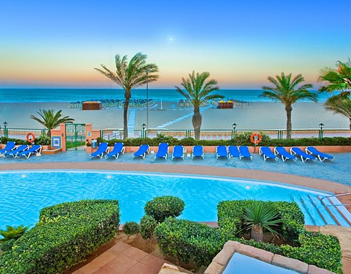 Los mejores hoteles de playa para viajar con ni os viajacontuhijo son vacaciones monoparentales - Hoteles con piscina climatizada para ir con ninos en invierno ...