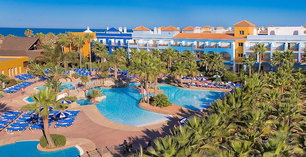 vacaciones-familias-monoparentales-hotel-playaballena