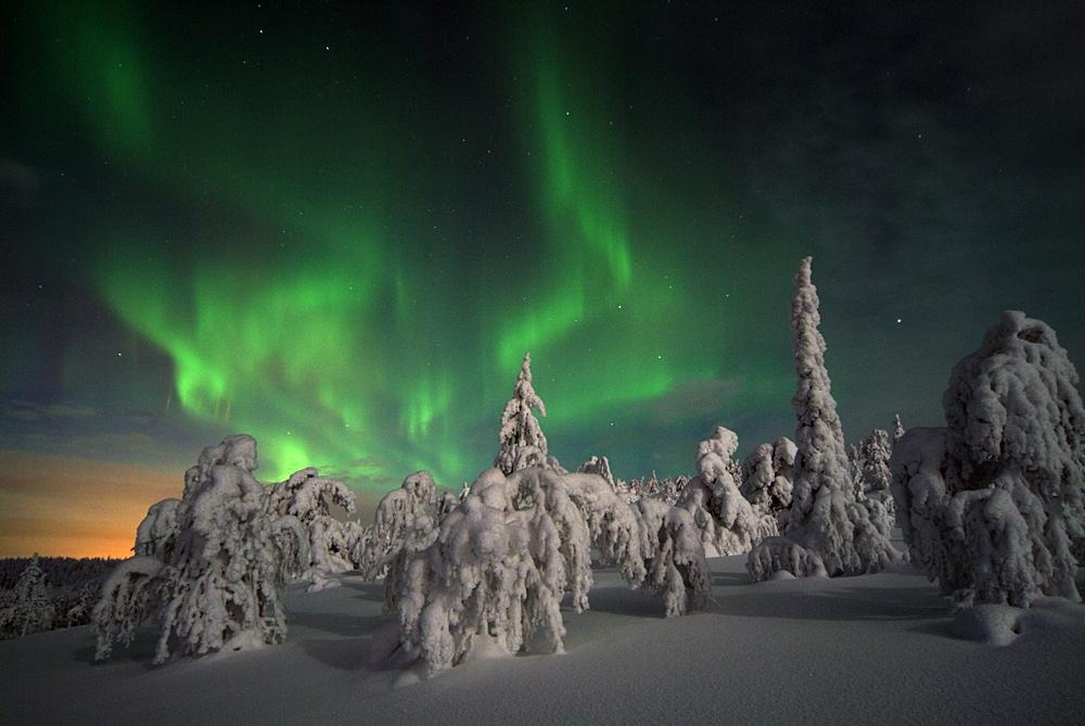 vacaciones-monoparentales-aurora-boreal-movil