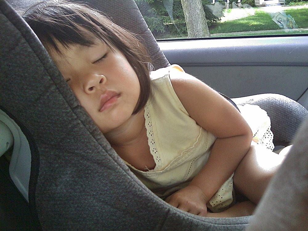 viajes-familias-monoparentales-ofertas-seguridad-coche-niños