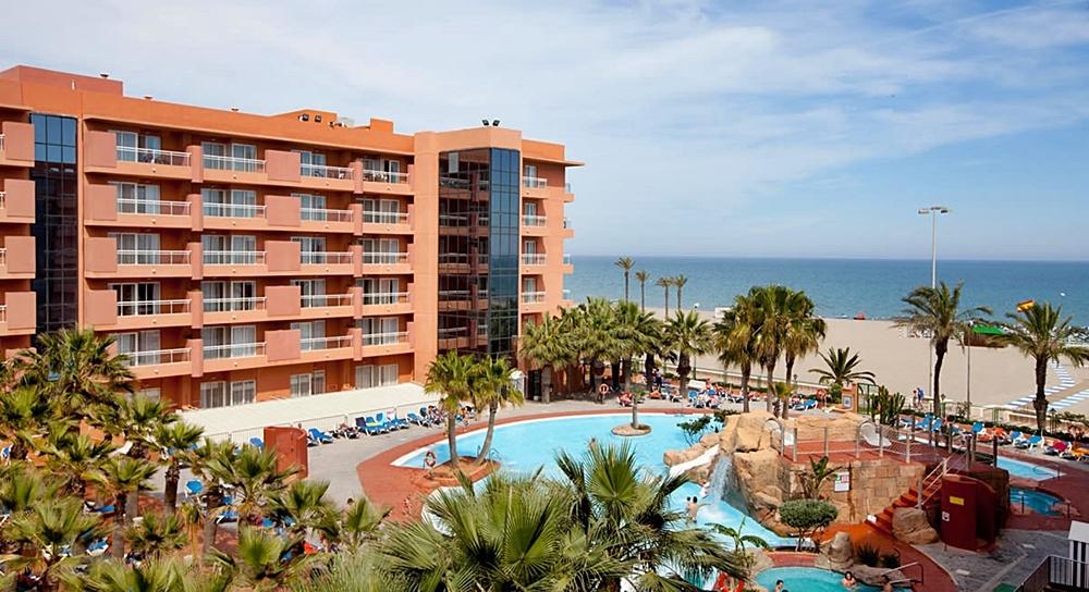 viajes-monoparentales-con-niños-playaluna-hotel