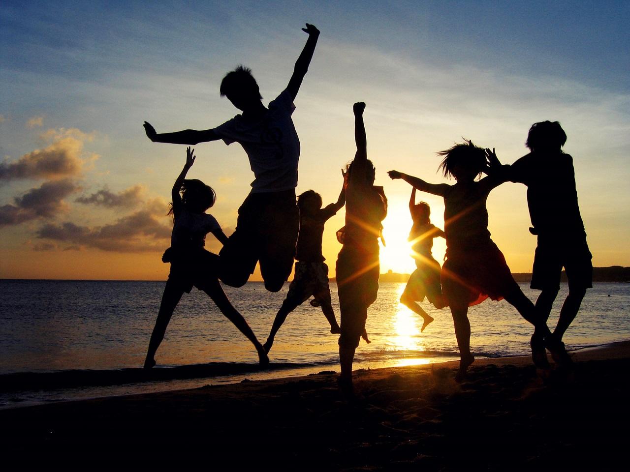 fondo_hd_43_saltando_playa